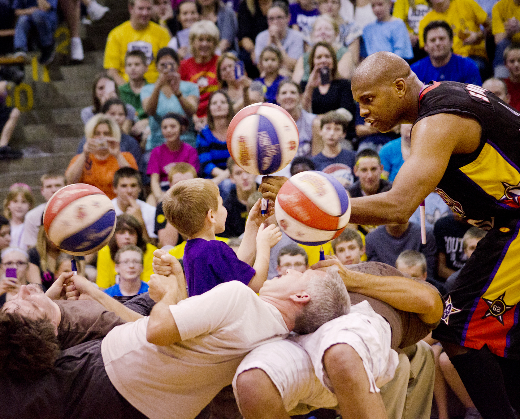 Meet the high-flying, fun-having, SC4 Fieldhouse-opening Harlem Wizards